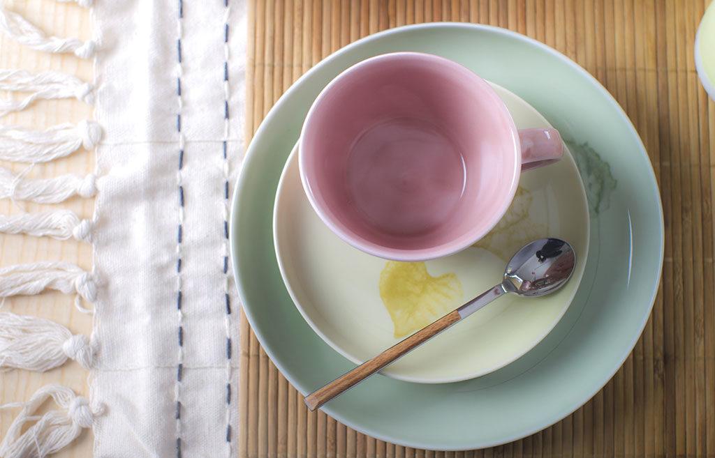 tazza te piattini colore pastello