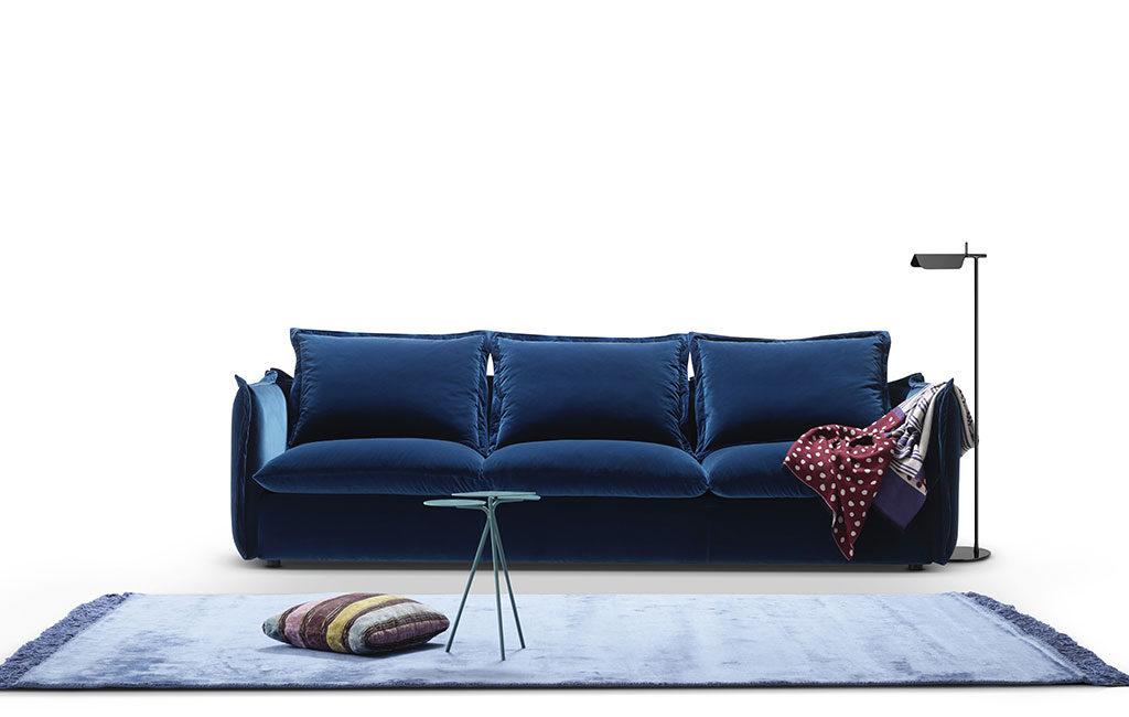 divano blu velluto