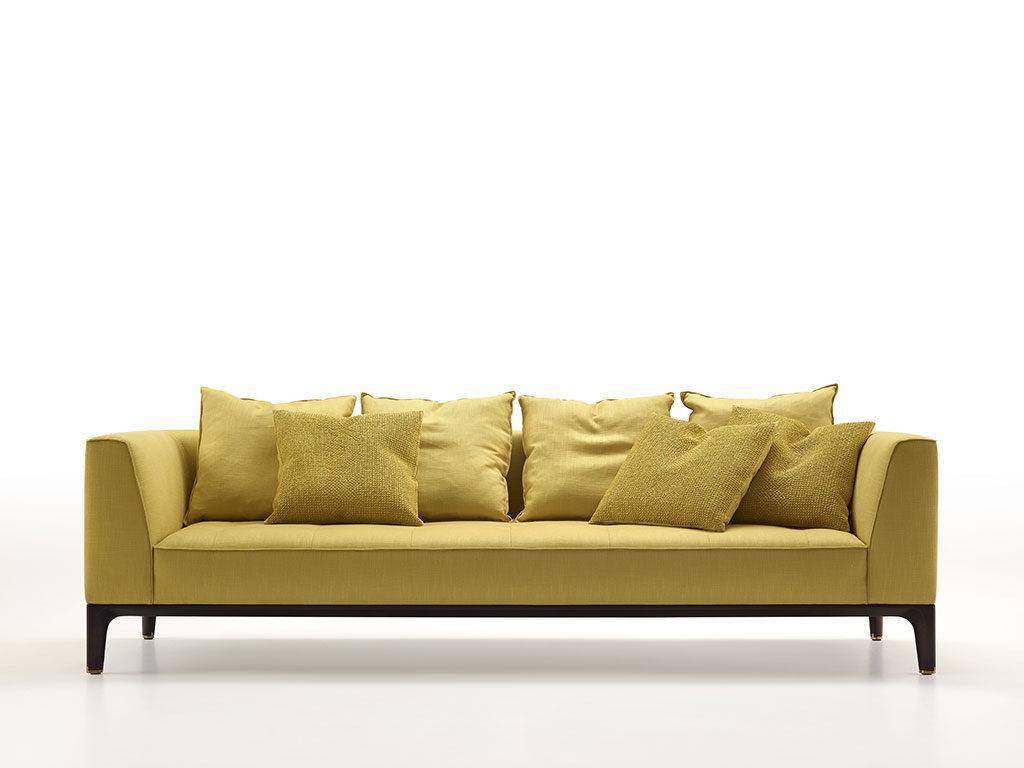 divano color senape tessuto