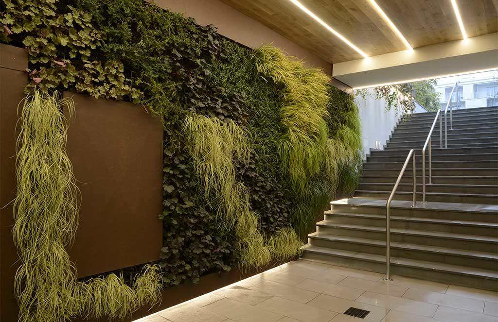 giardino verticale interno edificio
