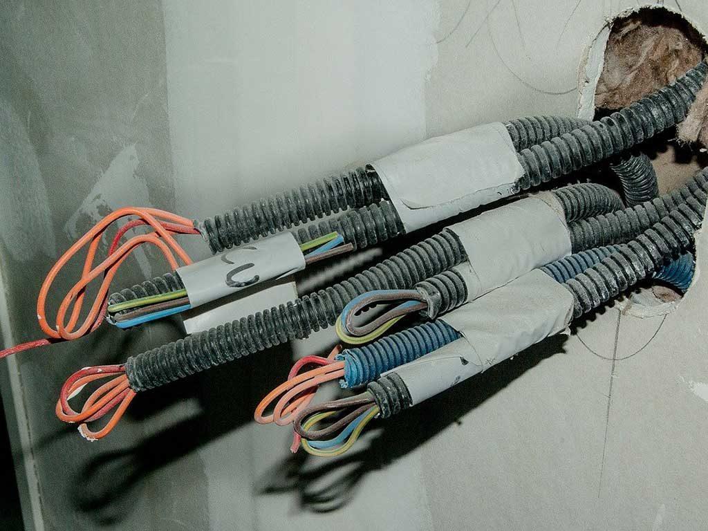 impianto elettrico cavi corrugato