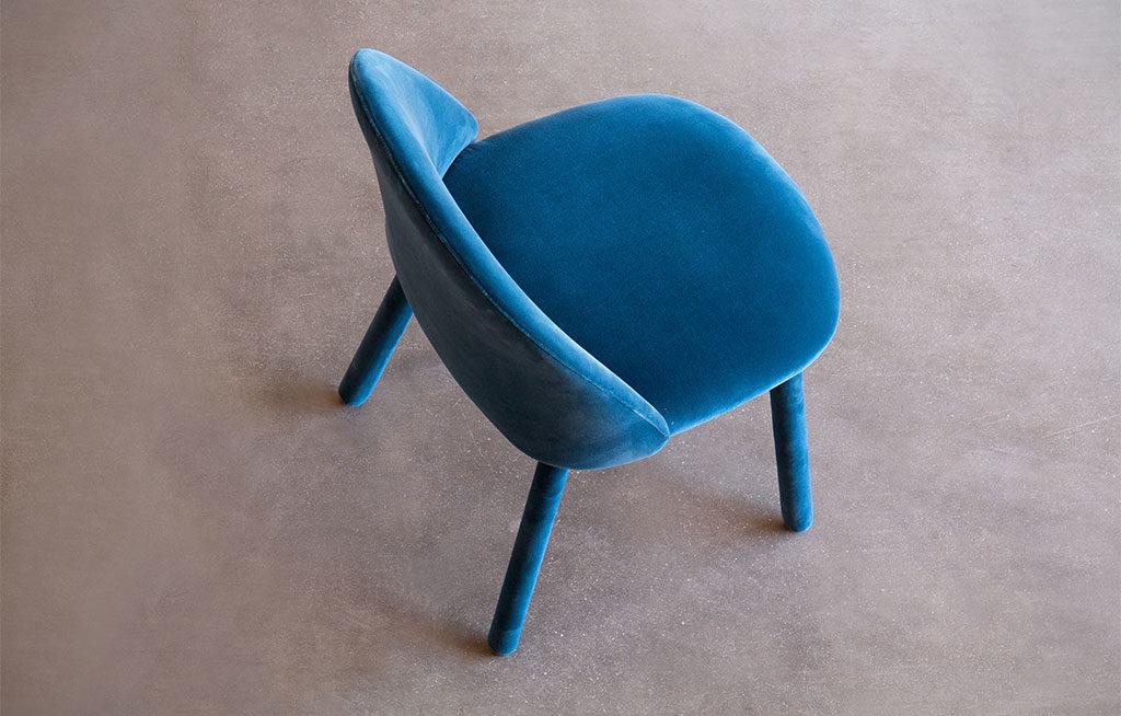 sedia velluto blu vista alto