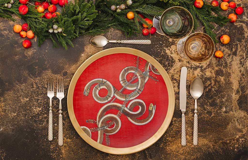 piatto decoro serpenti tavola natale
