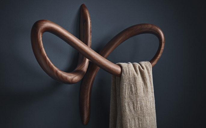 appendiabiti legno parete design