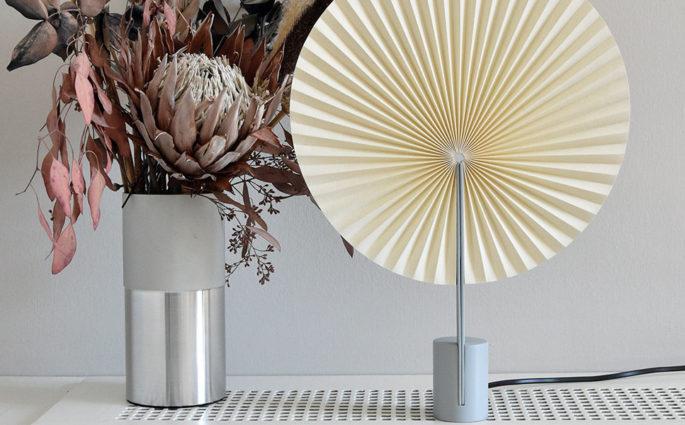 lampada tavolo design ventaglio carta