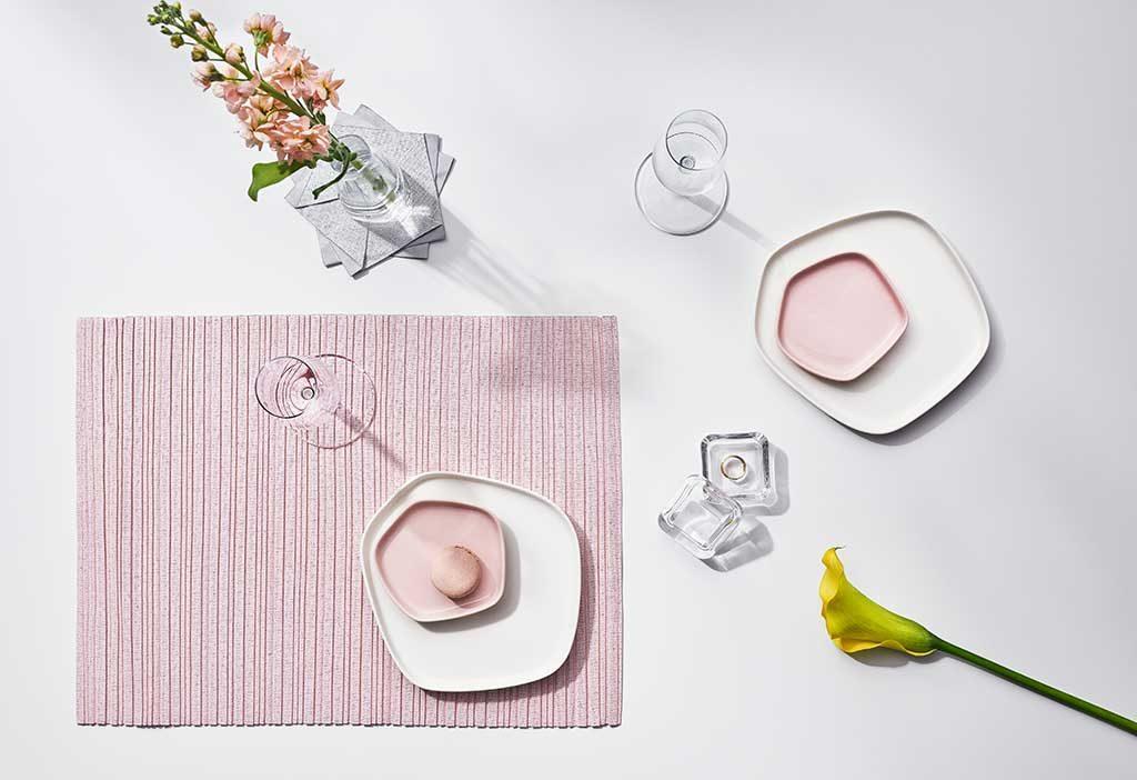 piatti pentagonali tavola bianco rosa