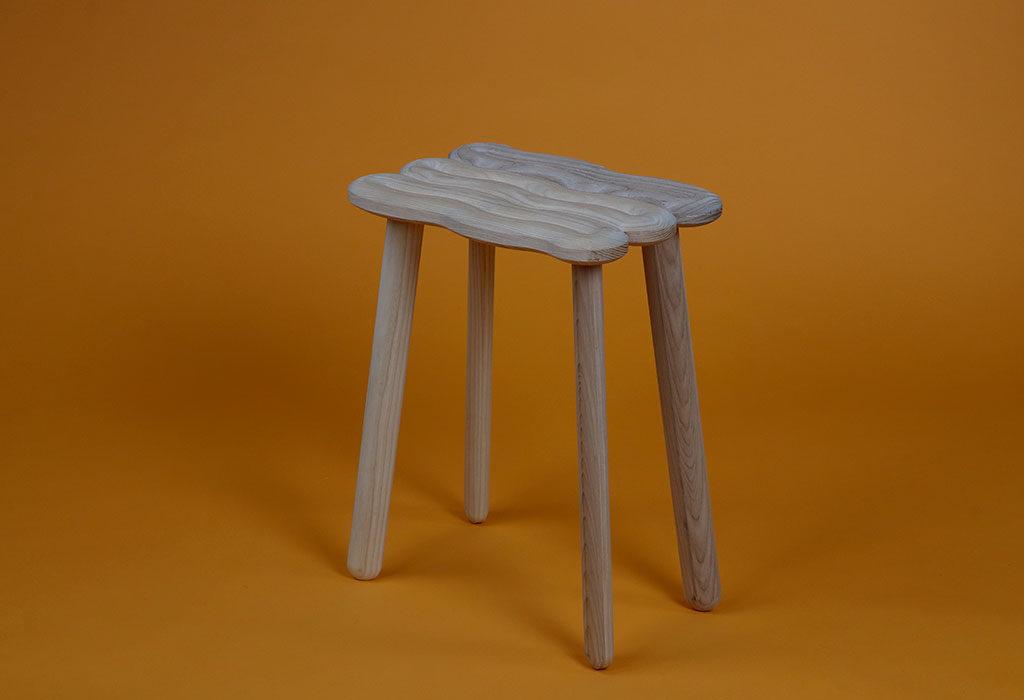 sgabello legno frassino