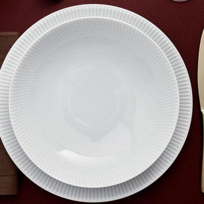 tableware piatti posate e mano
