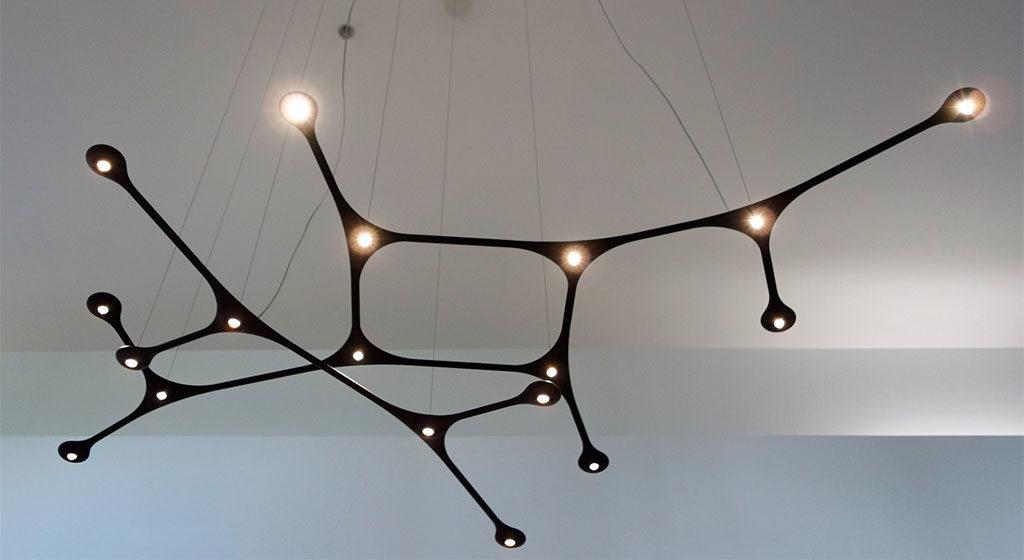 lampada sospesa design nera