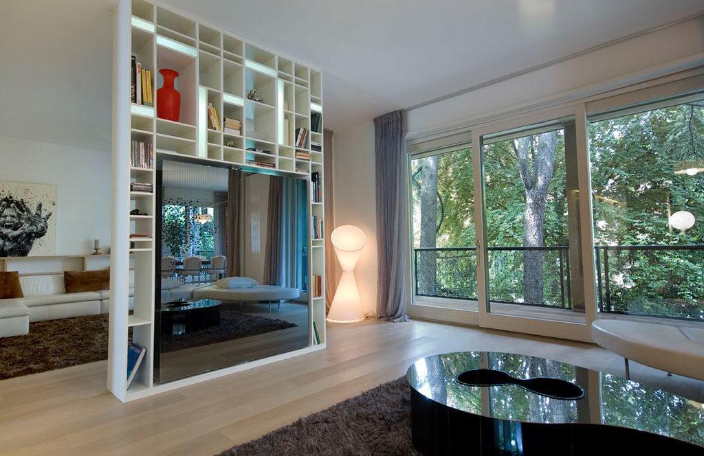 libreria divisoria appartamento