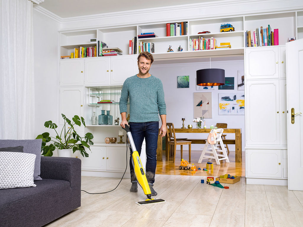 pulizia scopa vapore casa