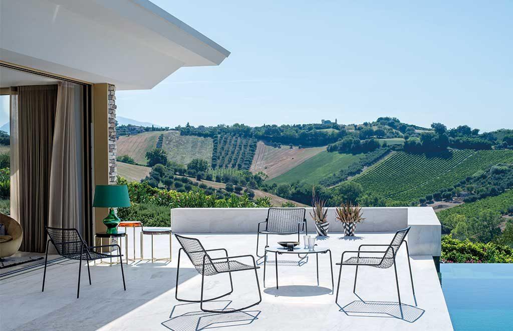 sedia dondolo sedie braccioli e tavolino caffe da esterno