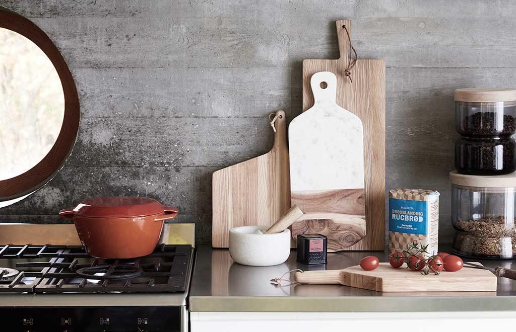taglieri legno in cucina