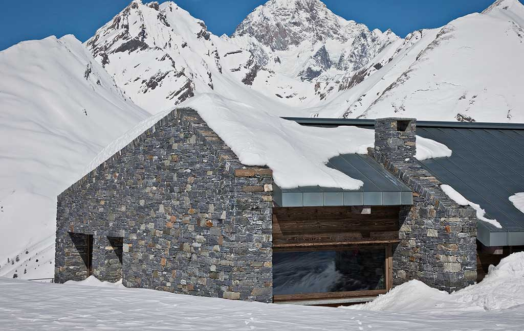 casa pietra e legno montagna