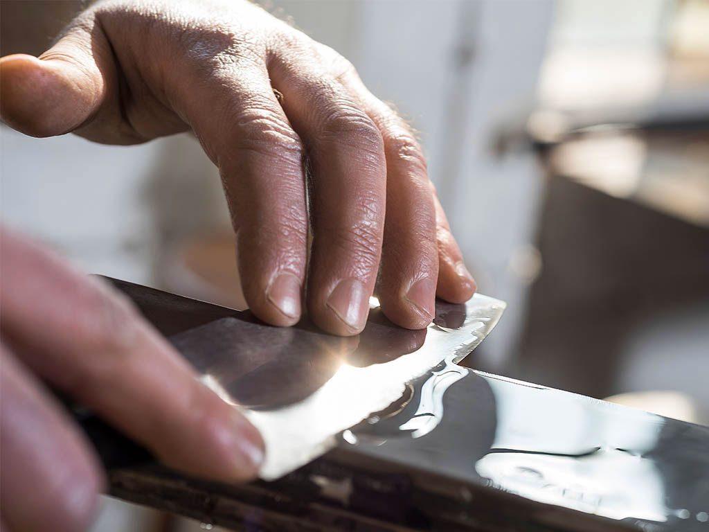 lavorazione manuale lama coltello