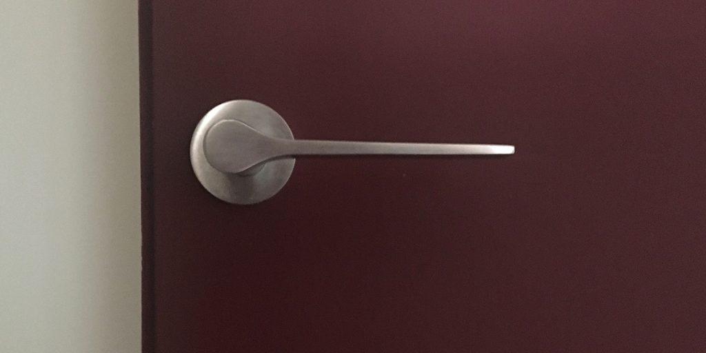 maniglia per porta satinata