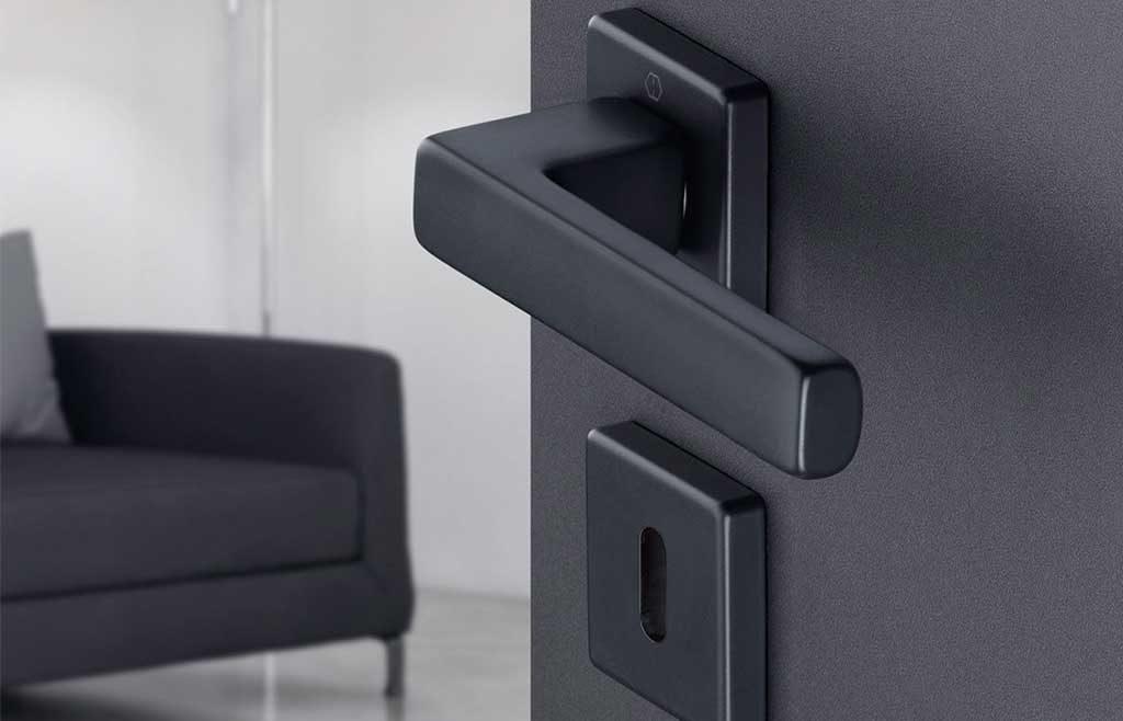 maniglia porta acciaio nero