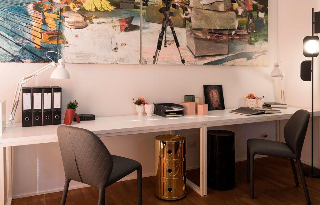 tavoli addossati parete