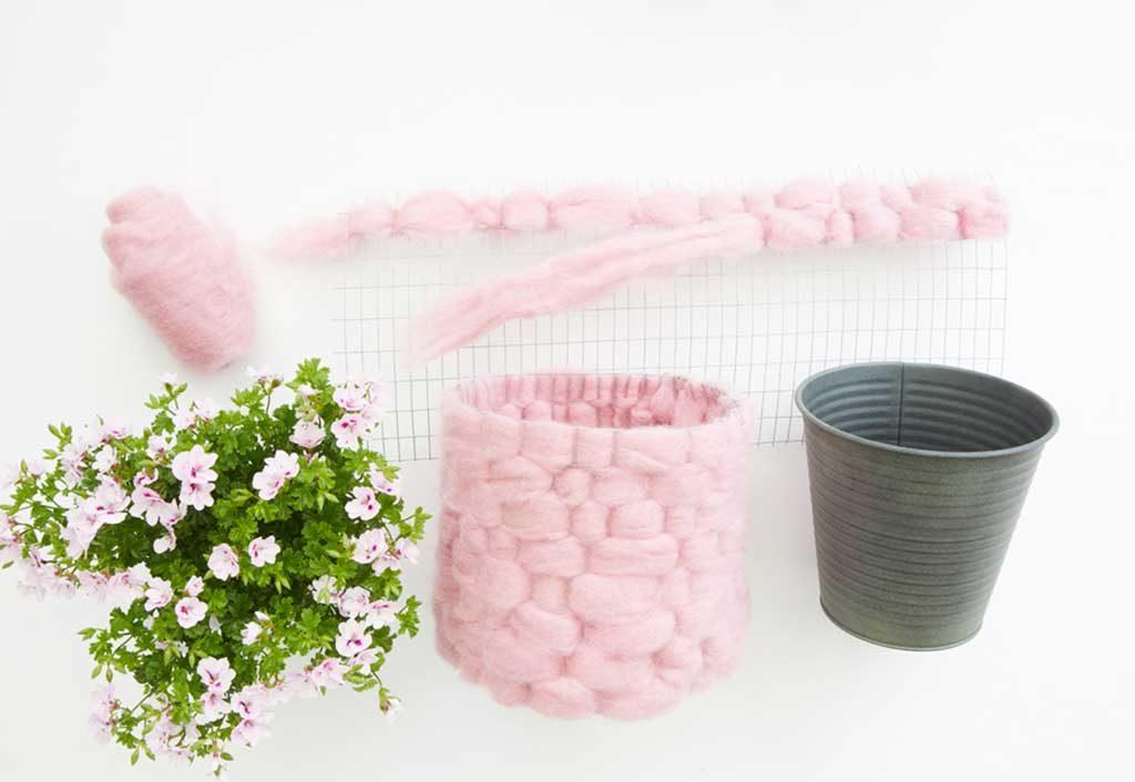 lana decorare vaso rosa