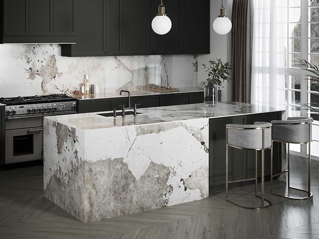 cucina isola marmo effetto