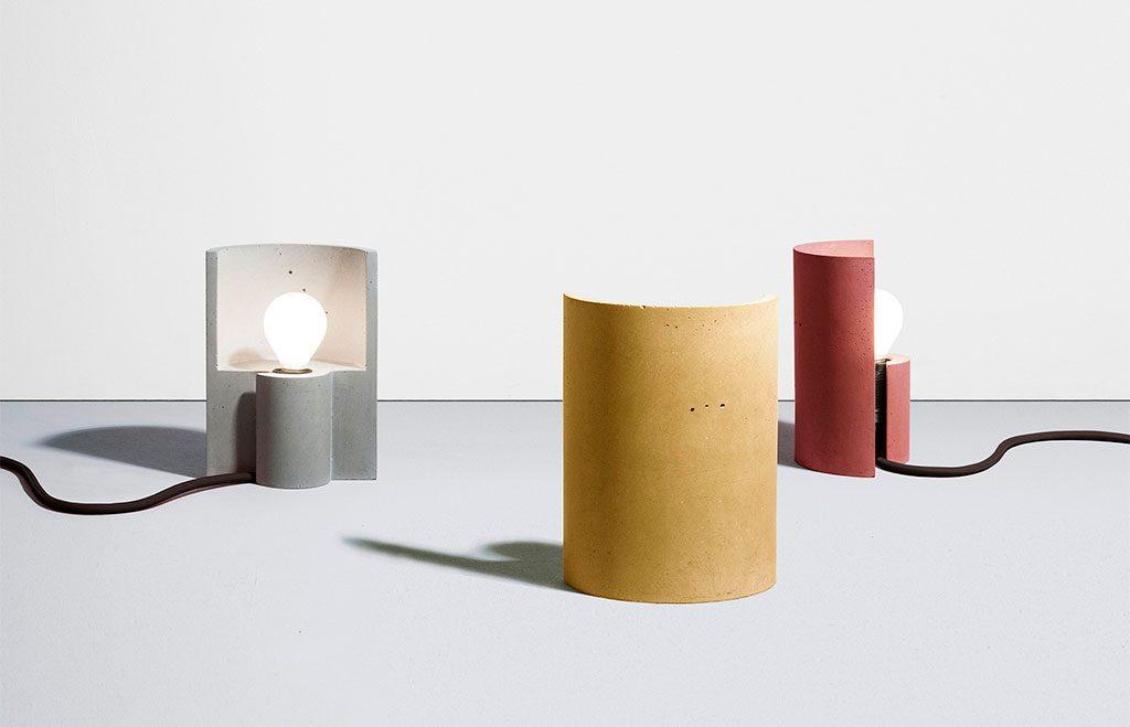 lampade tavolo cemento rosso giallo grigio