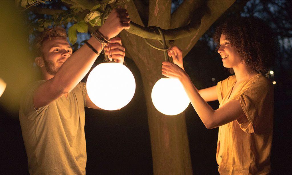 lampada ricaricabile esterno ramo albero
