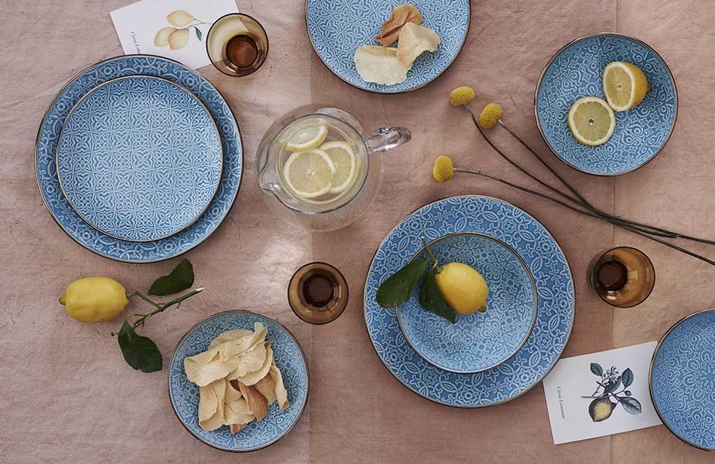 piatti decoro damasco blu