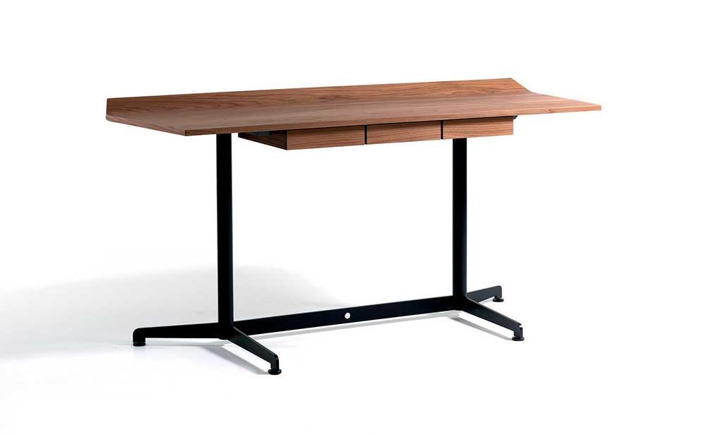 scrivania piano legno tre cassetti