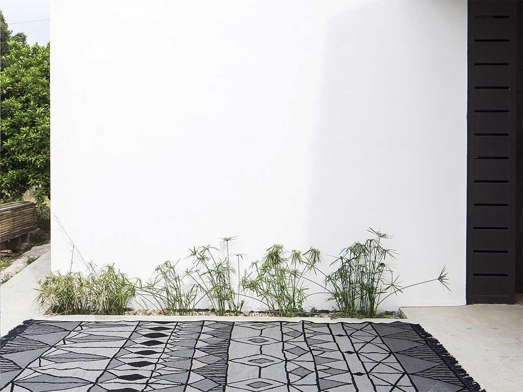 tappeto da esterno grigio disegno