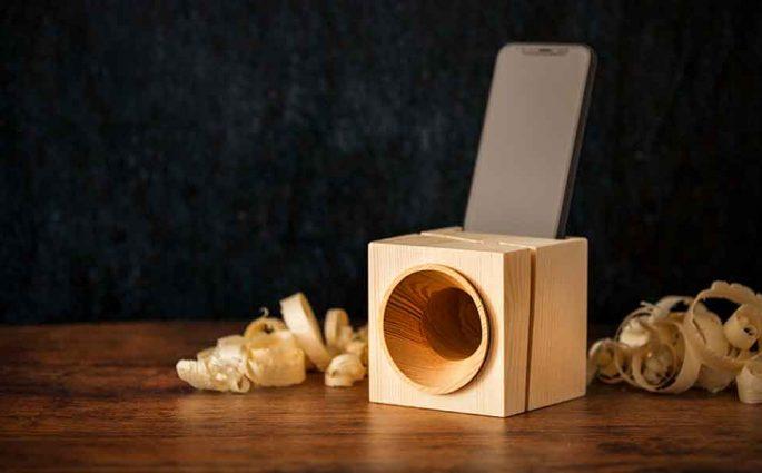 amplificatore legno smartphone