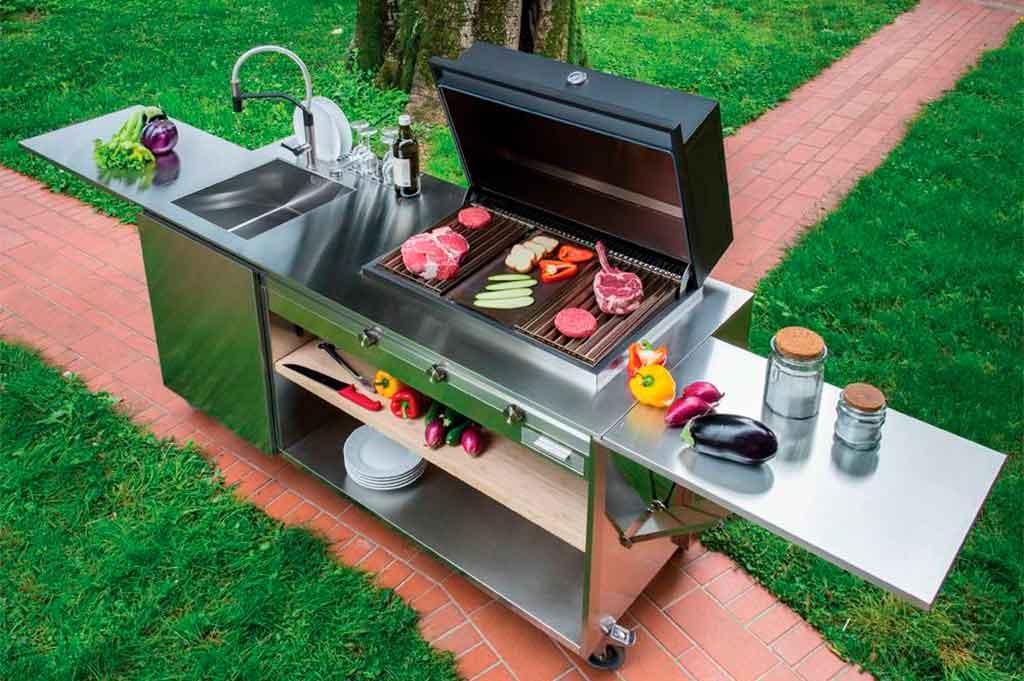 cucina outdoor con barbecue