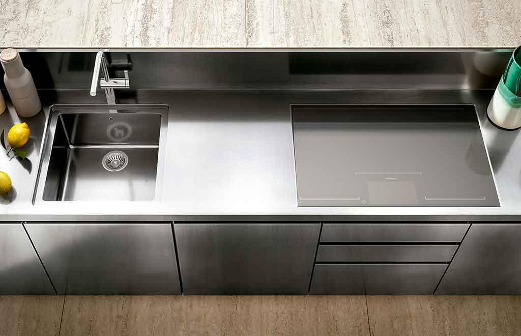 dettaglio cucina esterno acciaio