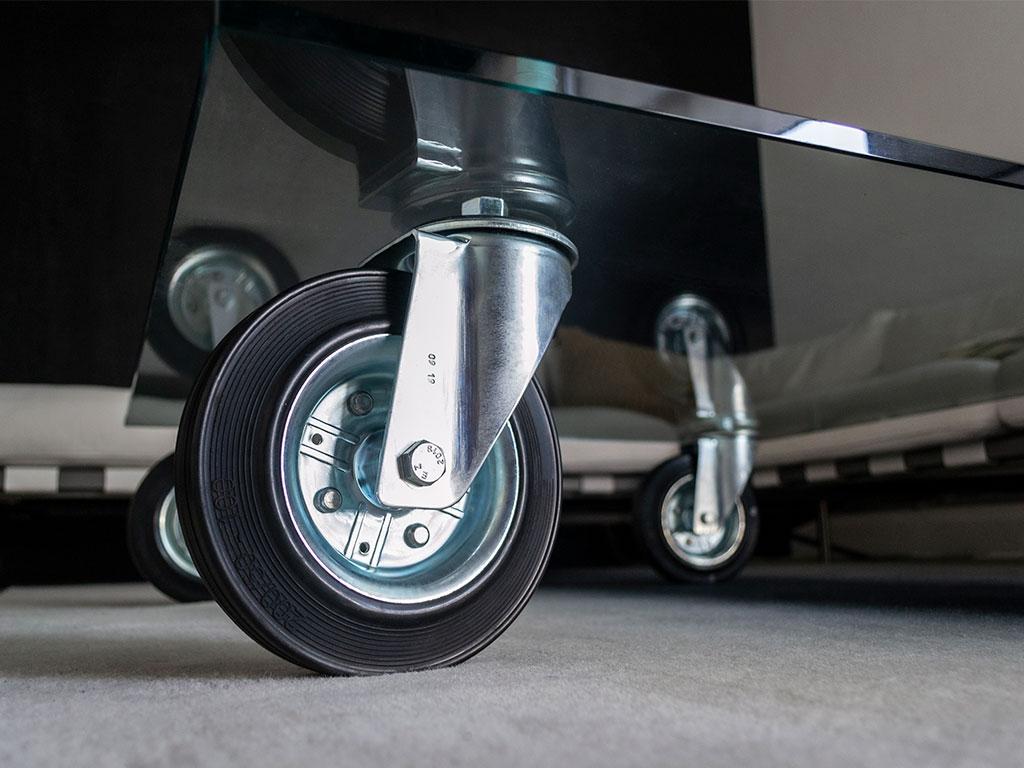 tavolo con ruote