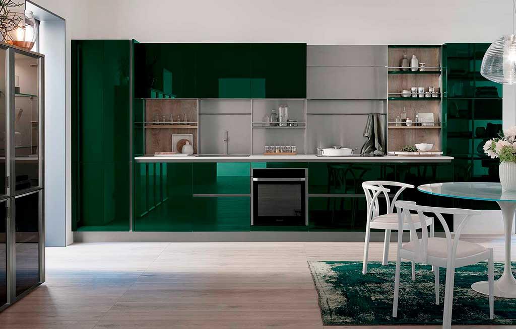 cucina verde a specchio
