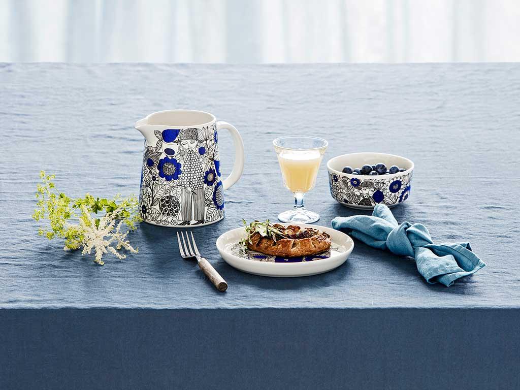 caraffa piatto blu bianco