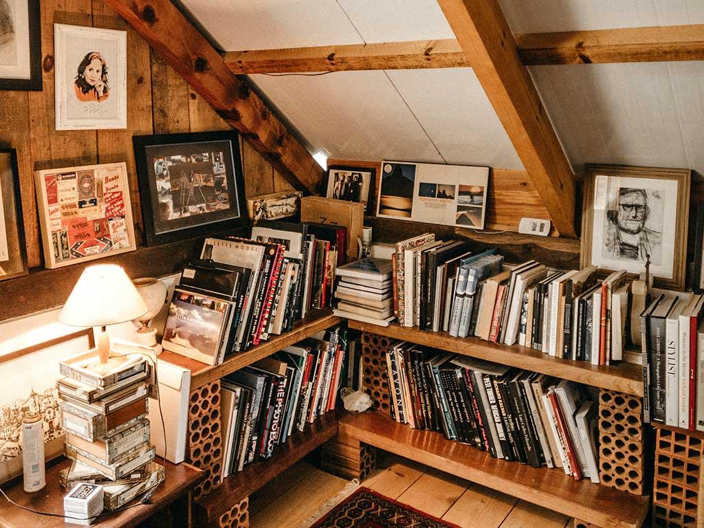 angolo libreria mansarda