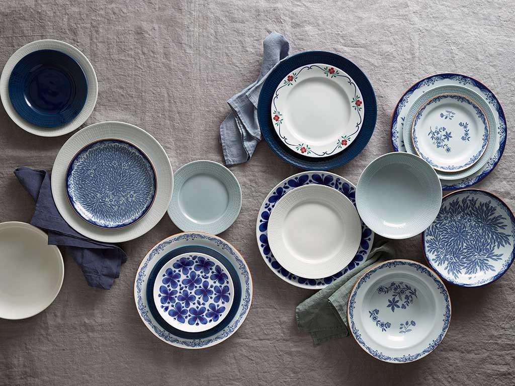 piatti bianco blu