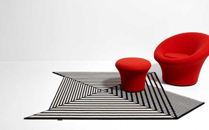 tappeto geometrico bianco e nero