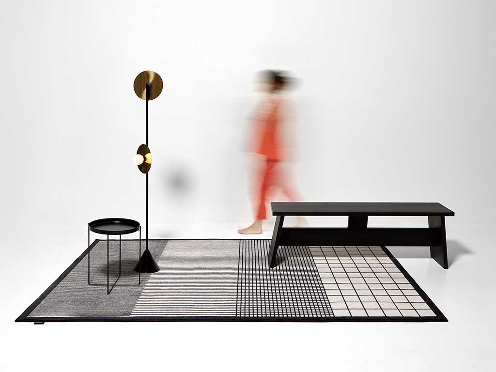 tappeto disegno geometrico bianco nero grigio