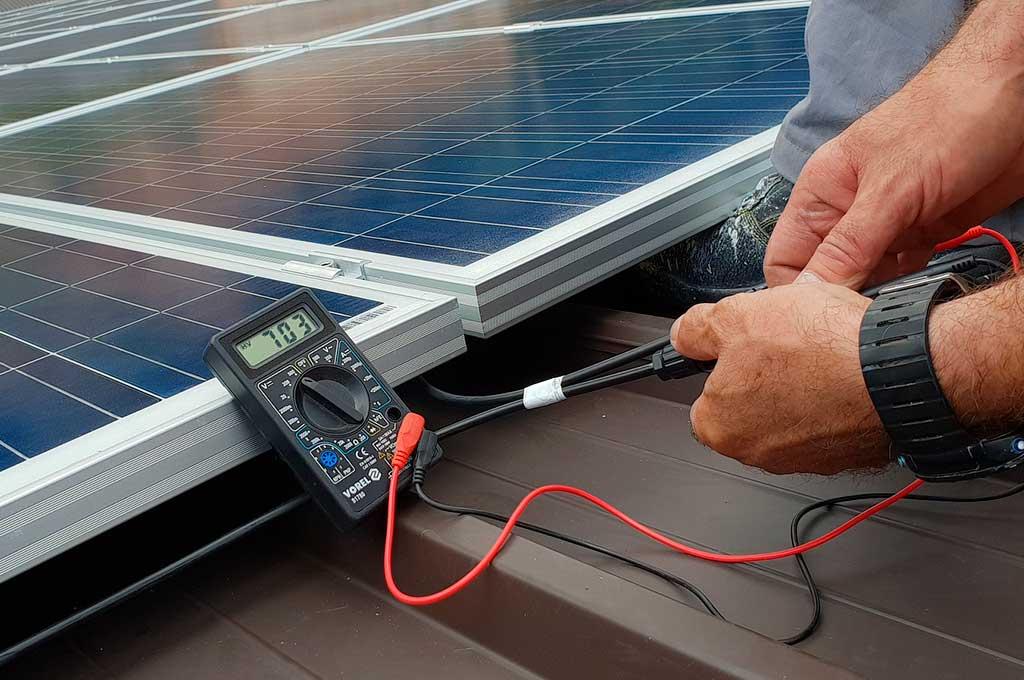 tester pannello fotovoltaico