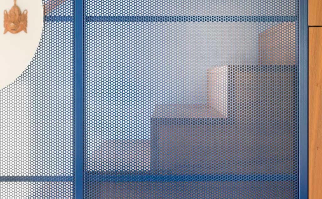 pannello forato scala alluminio blu