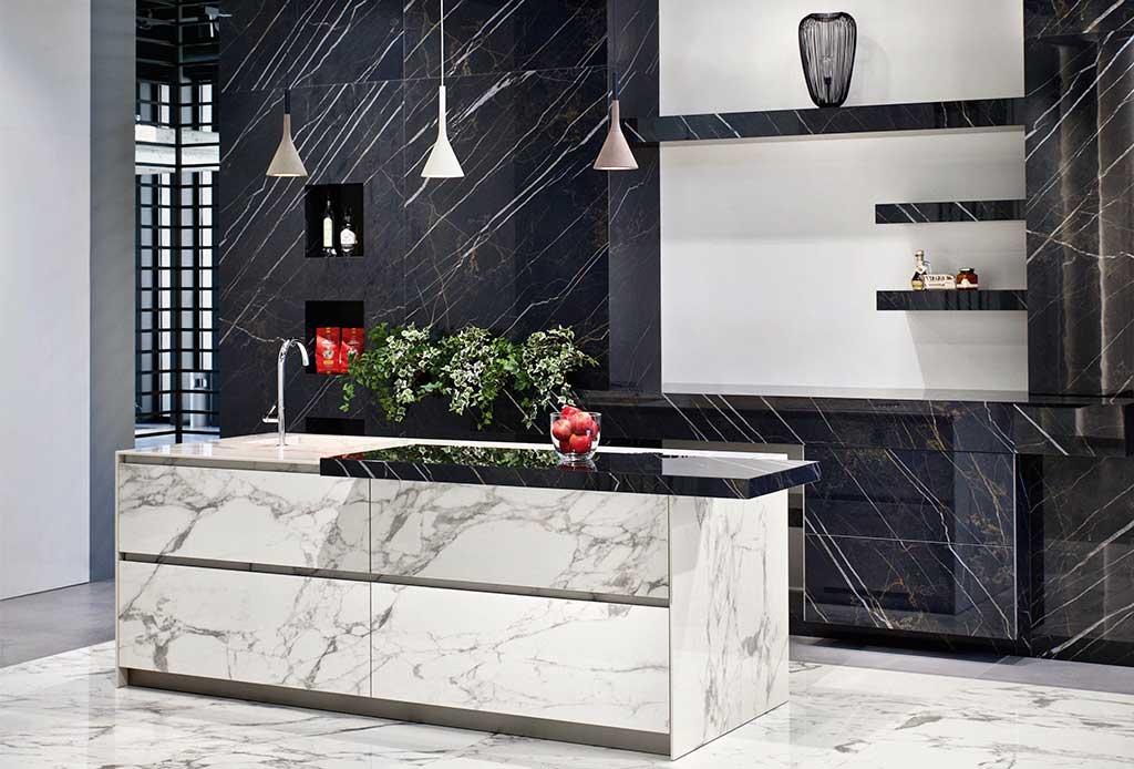 rivestimento cucina isola marmo
