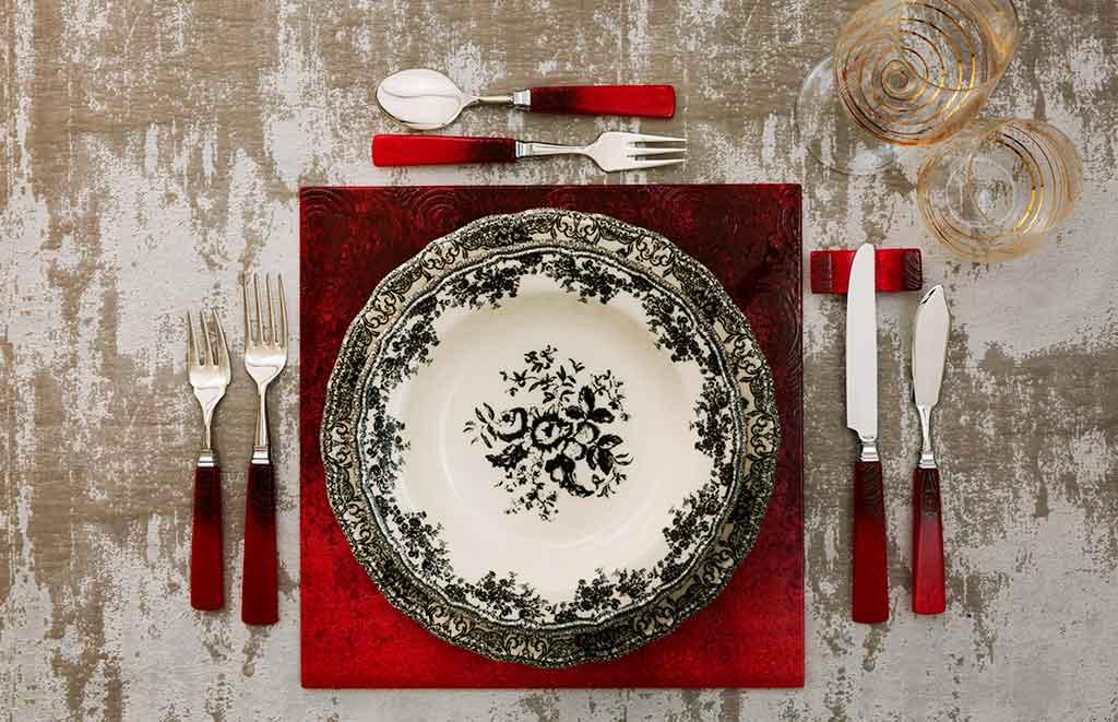 tavola piatti natale decoro nero