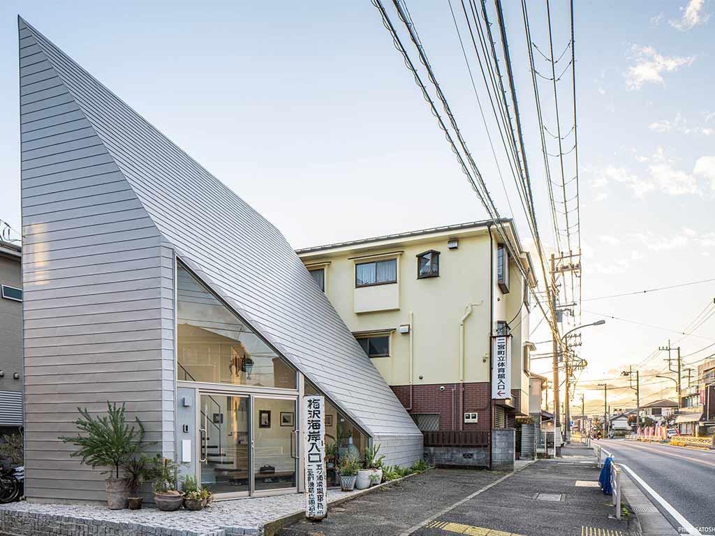 casa giapponese falda inclinata