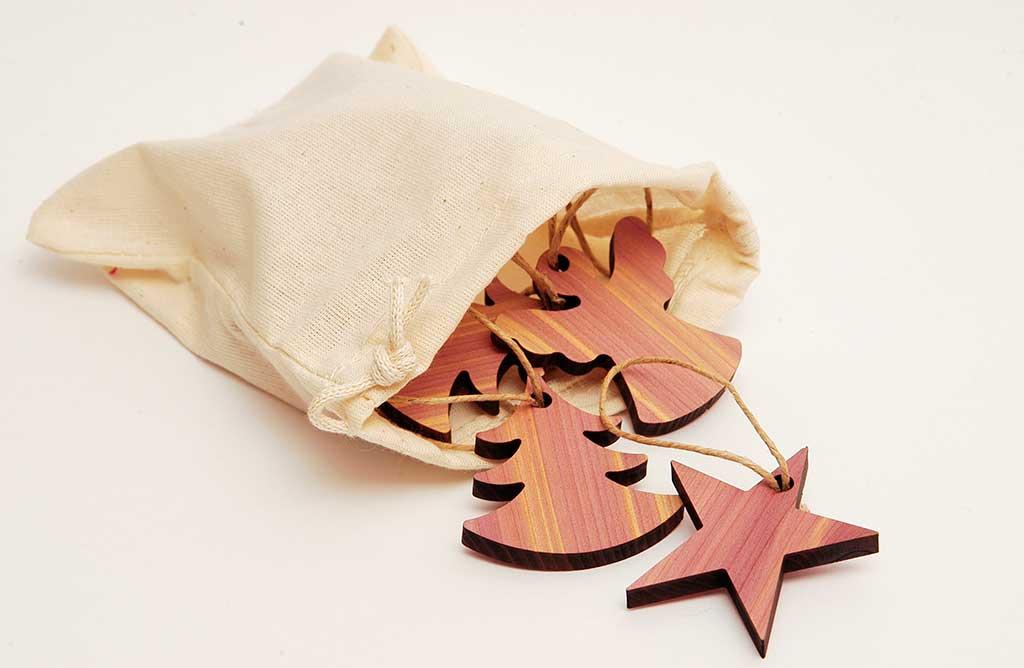 sacchetto mix figurine legno cedro