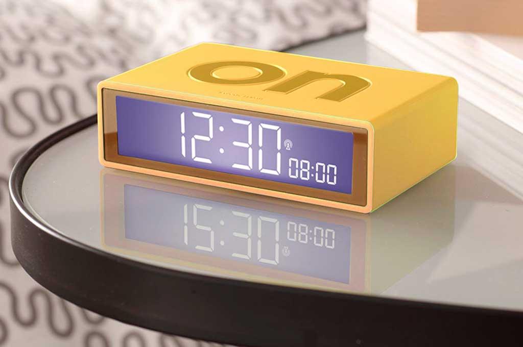 sveglia gialla digitale