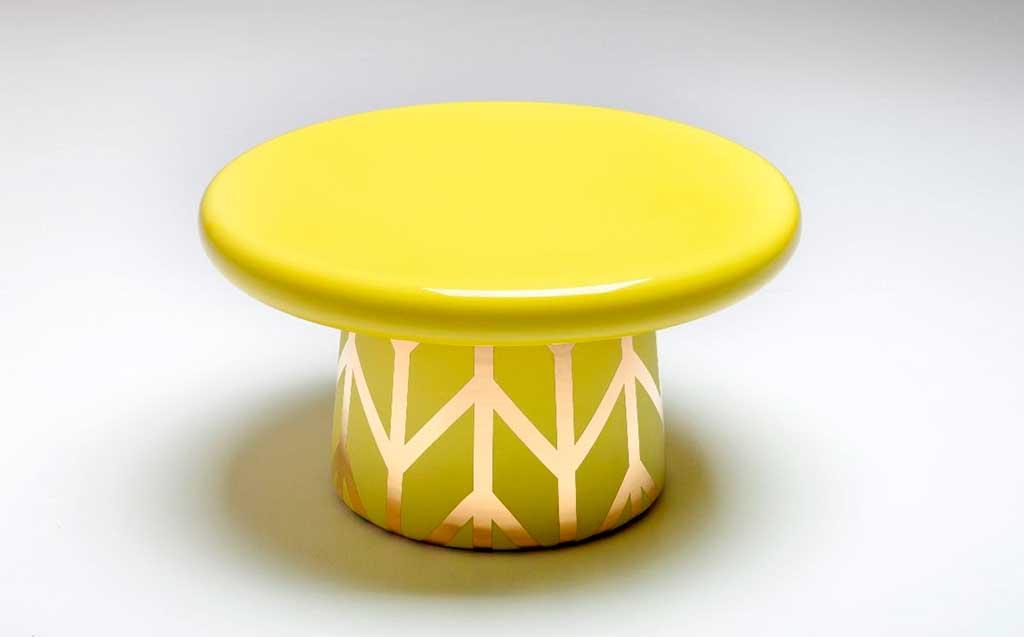 tavolinetto tondo giallo