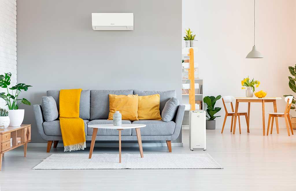 clima parete sopra divano