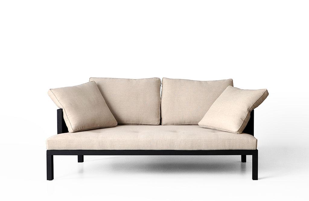 divano tessuto e struttura rovere nero