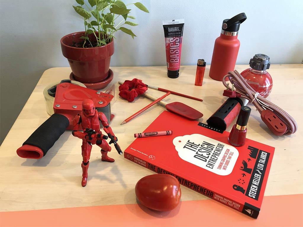 collezione oggetti rossi